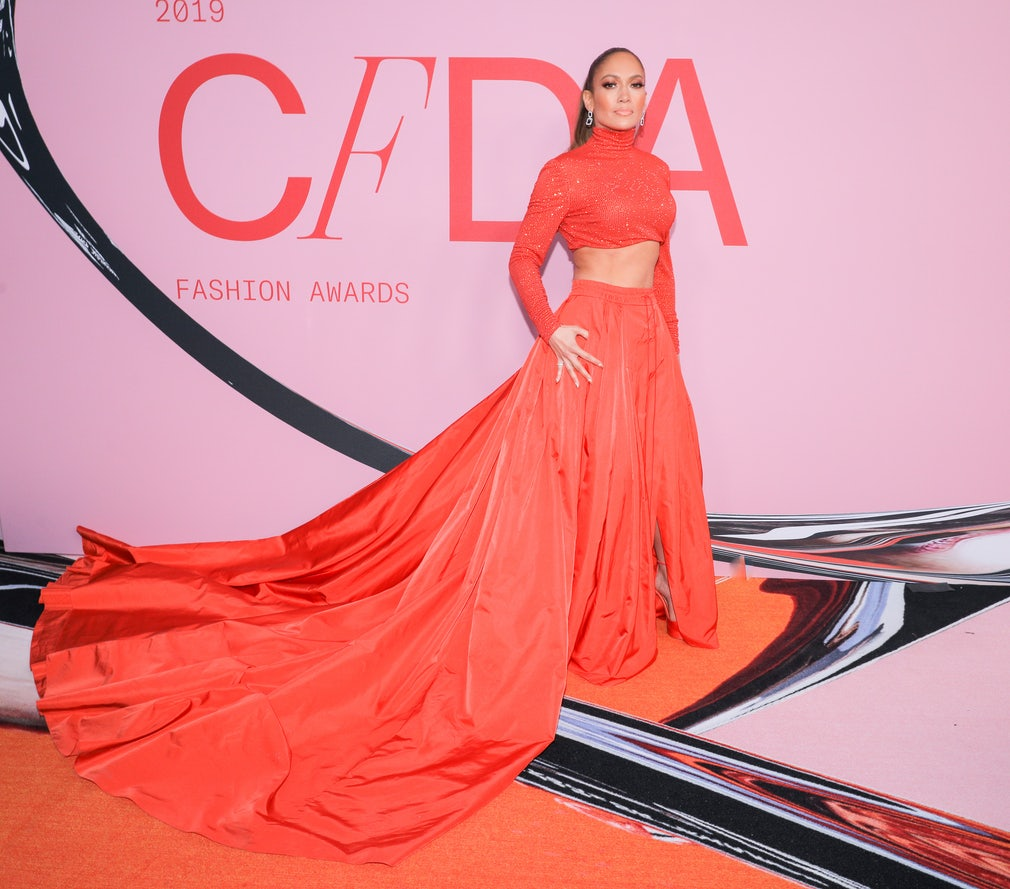 602d3722d7b Jennifer Lopez Shuts Down the CFDA Fashion Awards Red Carpet With Jaw- Dropping Abs